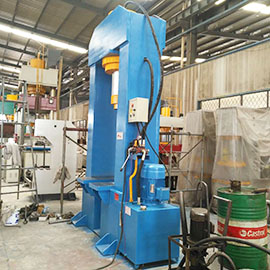 定制型龙门液压机